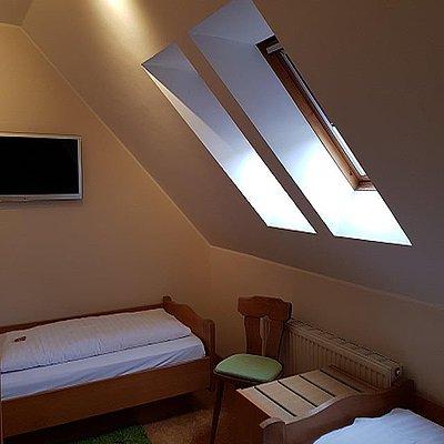 Foto: Familienzimmer Standard Hofseite (3)