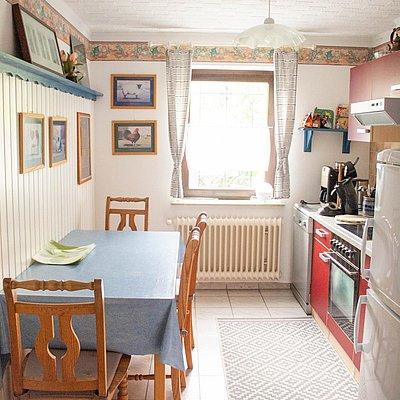 Foto: untere FeWo - Küche mit Essecke
