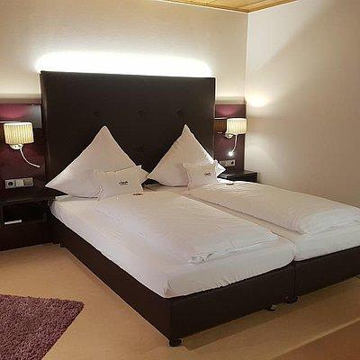 Foto: Weinhotel_Klostermuehle_Saar_Hotelzimmer_Familienz