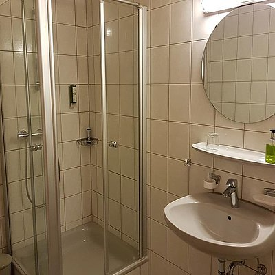 Foto: Weinhotel_Klostermuehle_Saar_Hotelzimmer_Standard_