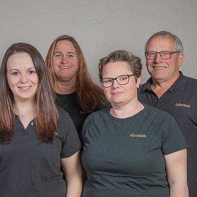 Foto: Das Team im Weingut Benzschawel