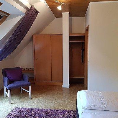 Foto: Doppelzimmer Standard Hofseite (3)