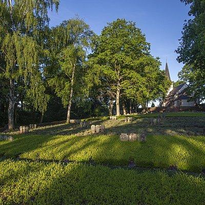 Foto: Ehrenfriedhof Kastel-Staadt (3)