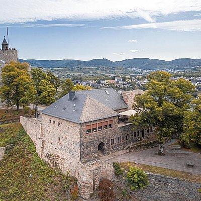 Foto: Burganlage Saarburg (02)