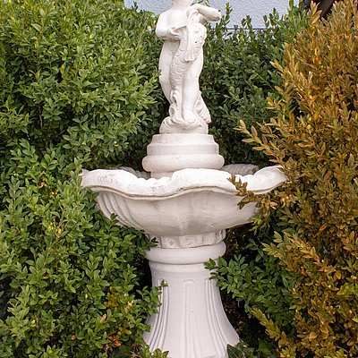 Foto: Springbrunnen im Garten
