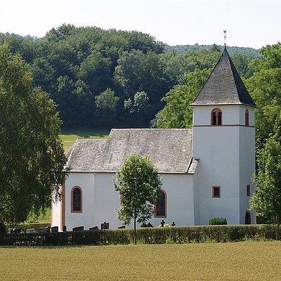 Foto: Rehlinger Kirche Fisch (2)
