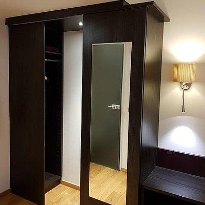 Foto: Dreibettzimmer Komfort Bachseite (2)