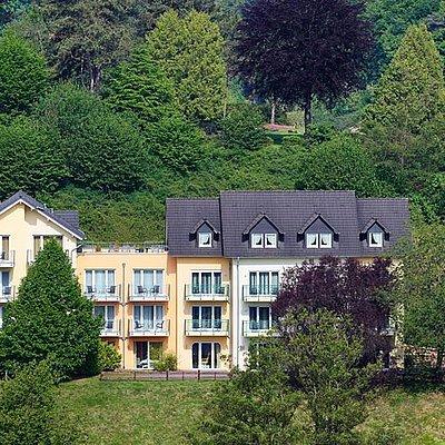 Foto: Aussenansicht Landhaus (1)