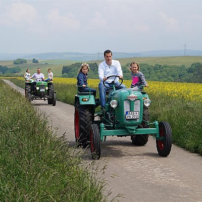 Foto: Oldtimer-Traktoren mieten