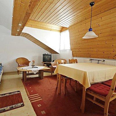 """Foto: Wohnzimmer mit Wohnküche  """"Heuboden"""""""