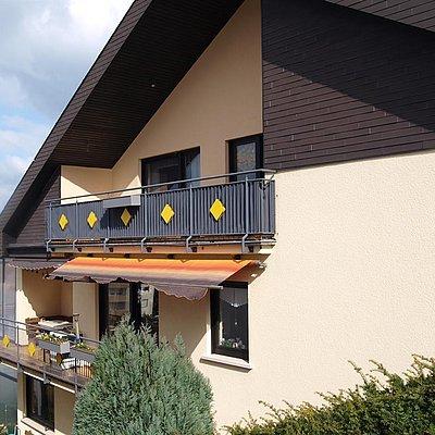 Foto: Seitenansicht Balkon