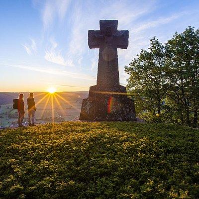 Foto: Ehrenfriedhof Kastel-Staadt (1)
