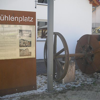 Foto: Mühlenplatz Kollesleuken (01)