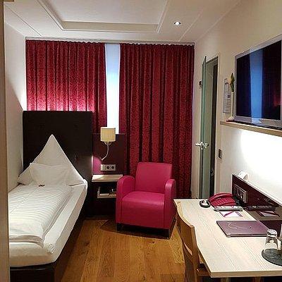 Foto: Weinhotel_Klostermuehle_Saar_Hotelzimmer_Komfort_H