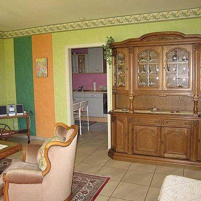 Foto: Blick vom Wohnzimmer zur Küche