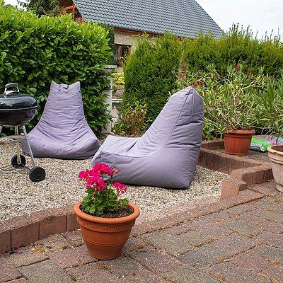 Foto: Gartensitzplatz mit Grillecke