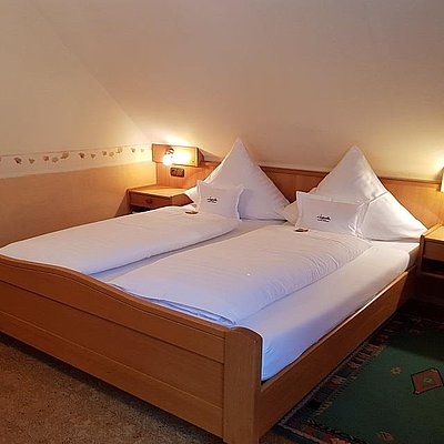 Foto: Weinhotel_Klostermuehle_Saar_Hotelzimmer_Einzelzim