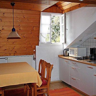 Foto: Küchenzeile mit Eßplatz