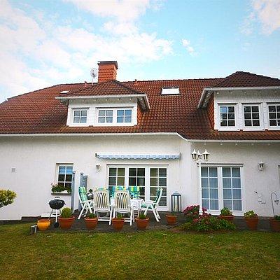 Foto: Terrasse und Garten