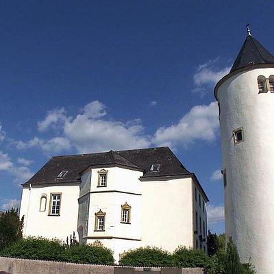 Foto: Wincheringen Kirche St. Peter