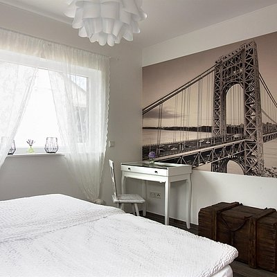 Foto: Schlafzimmer mit Doppelbett
